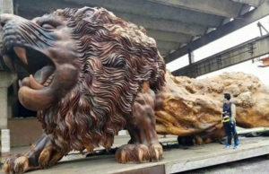 La scultura in legno più grande del mondo: Oriental Lion