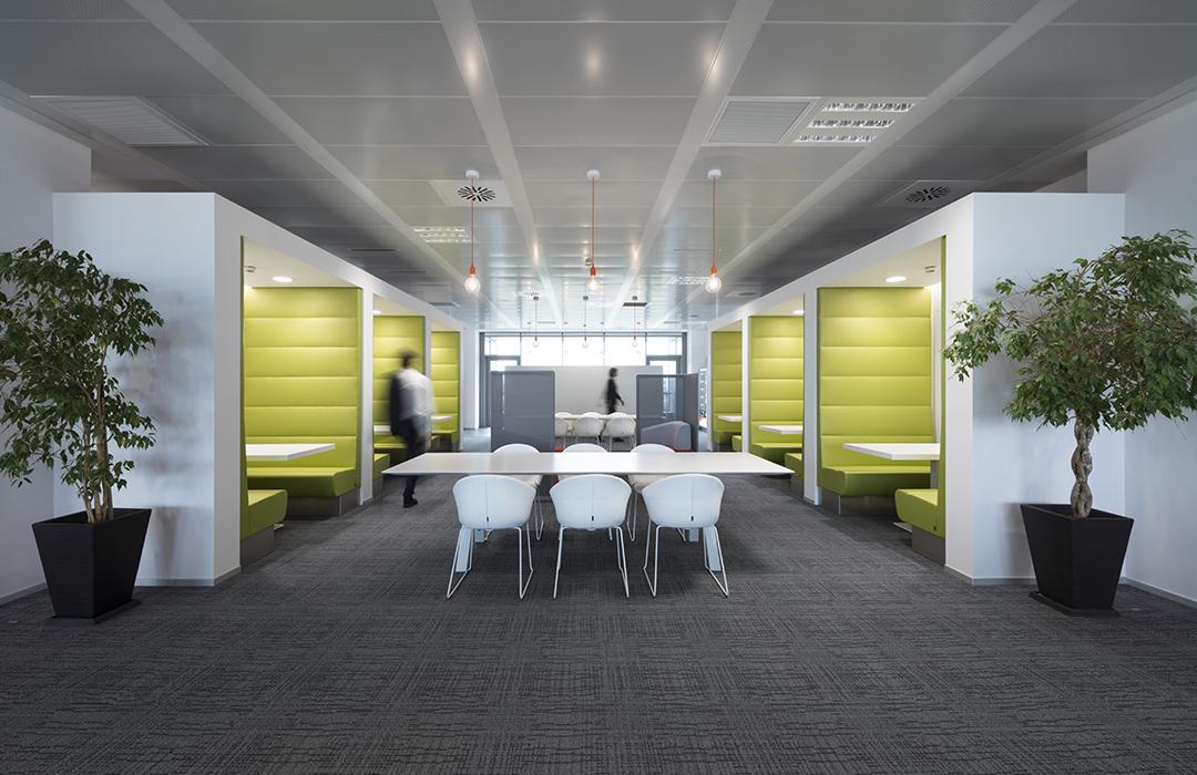 Pedrali rif il look a sky italia spazi di lavoro pi - Offerte lavoro interior designer roma ...