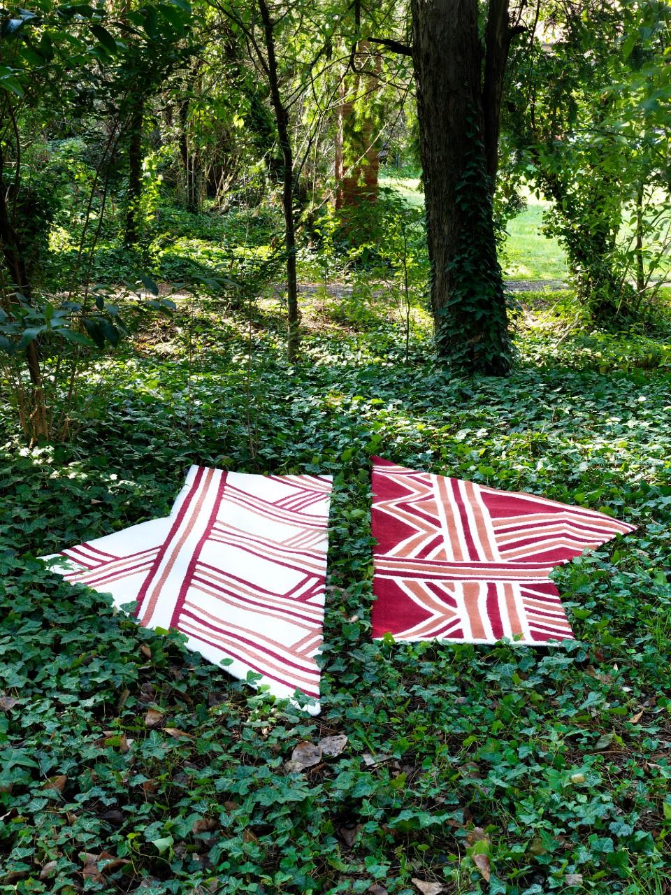 Carpet Edition_Siamo Tutti Uno_Urihi Red_Kyrin White_2